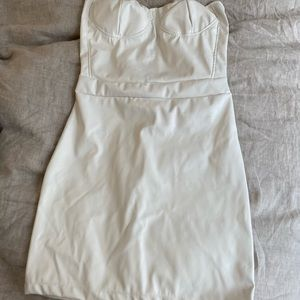 Dresses & Skirts - Robe latex
